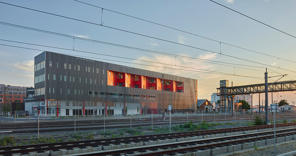 Zeppelin station dynia architects